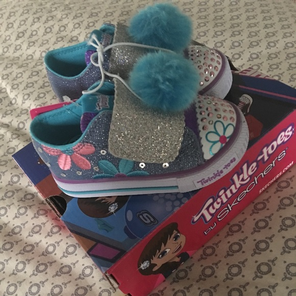 f82055b038be Skechers twinkle toes shoes. NWT. Size 6 and 7.